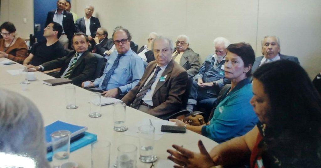 Representantes do Comitê de acompanhamento da Sociedade Civil - CASC e representantes de Associações de Anistiandos Políticos