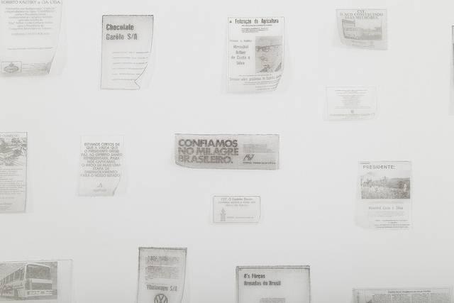 ANÚNCIOS DE EMPRESAS PUBLICADOS DURANTE A DITADURA NO JORNAL A GAZETA, DE VITÓRIA, COLETADOS PELO ARTISTA RAFAEL PAGATINI