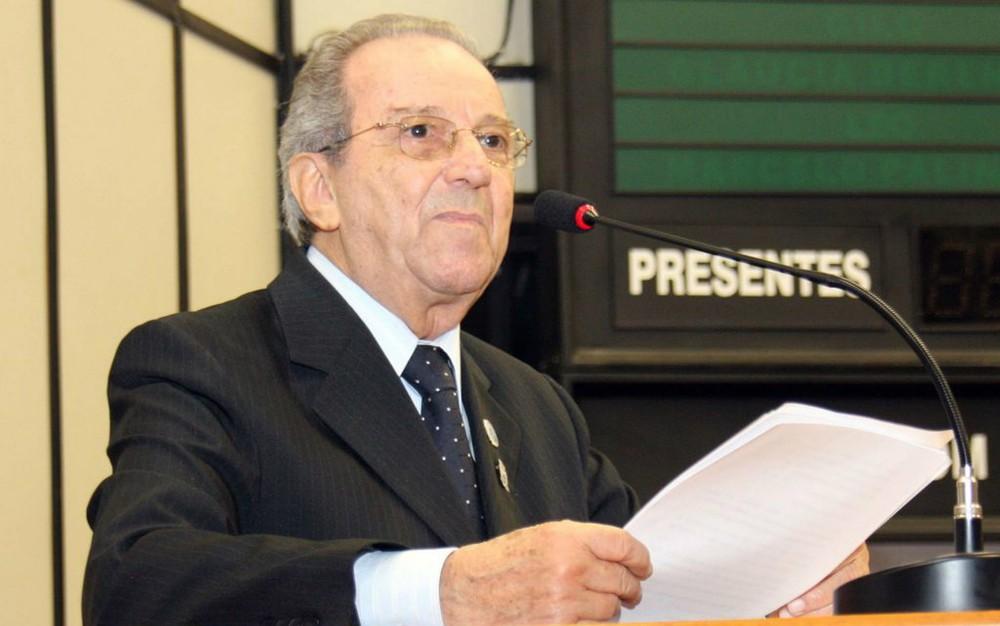 O escritor e jornalista Saulo Gomes na Câmara de Ribeirão Preto, SP — Foto: Arquivo Pessoal